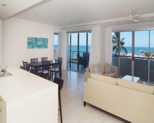 coral-cove-1-bedroom-apartments-bowen (10)